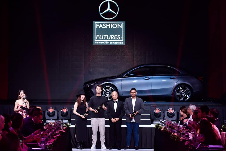 Will Lim was crowned Winner, seen in this group photo flanked by Datuk Jimmy Choo as well as the first and second runner-up winners.