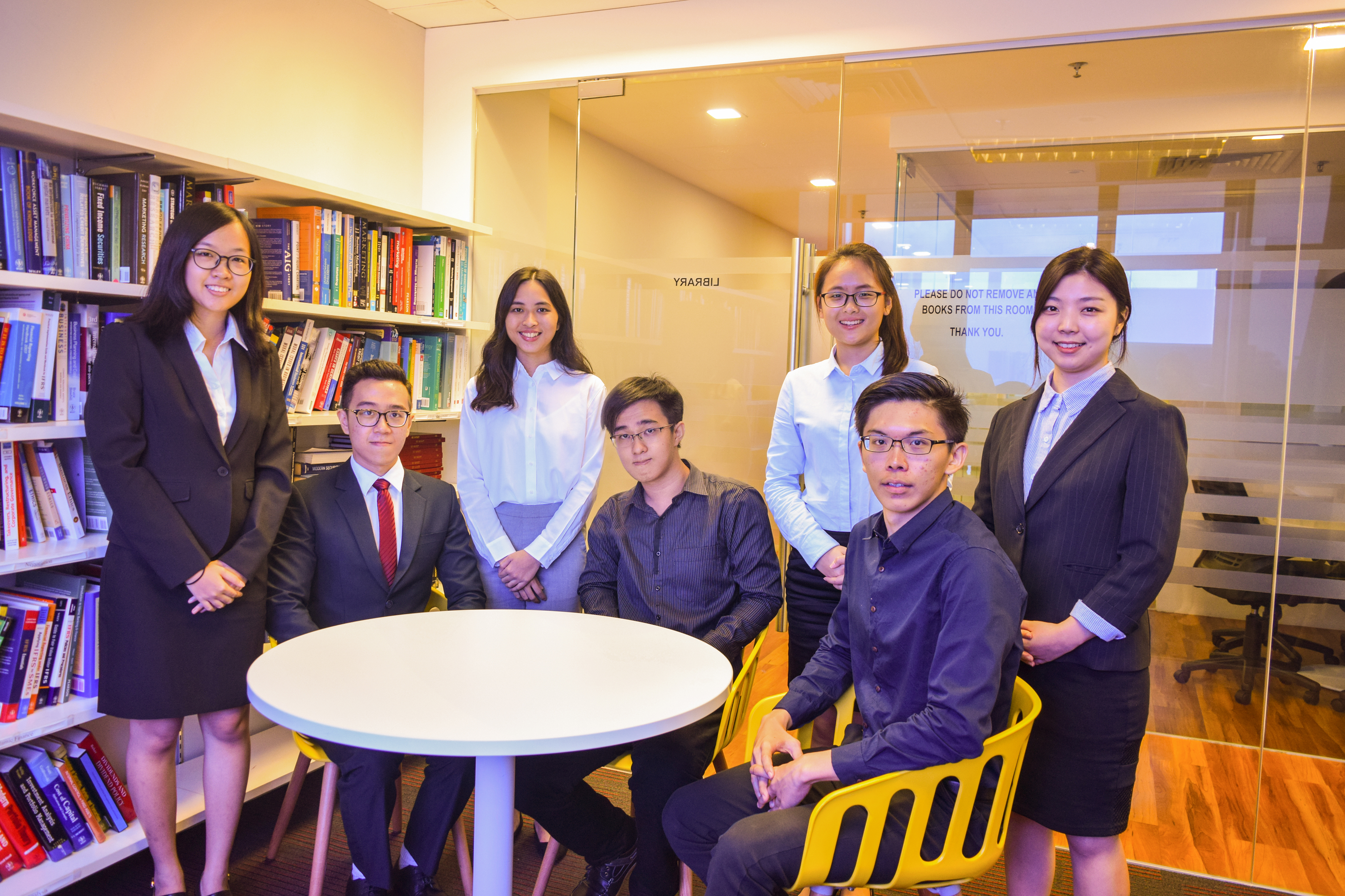 coursesmalaysia-HELP-News-business-students-gain-entrance-Australian-universities-01-2018