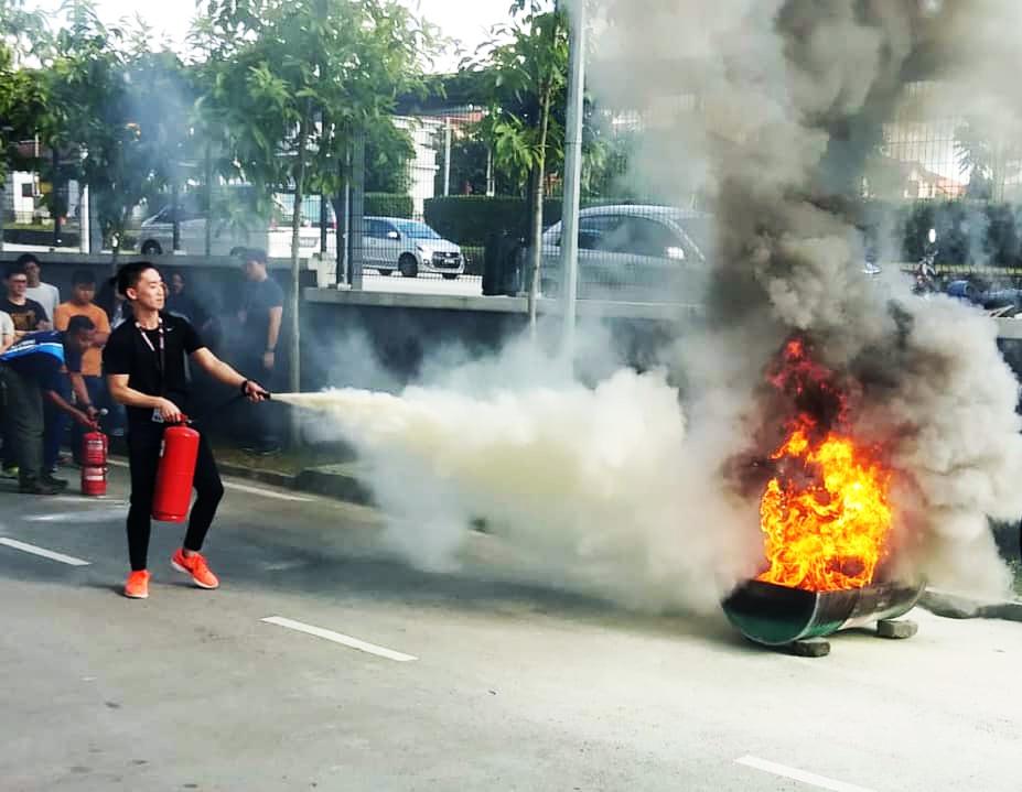 coursesmalaysia-UTAR-news-freshmen-04-fire-safety-2019
