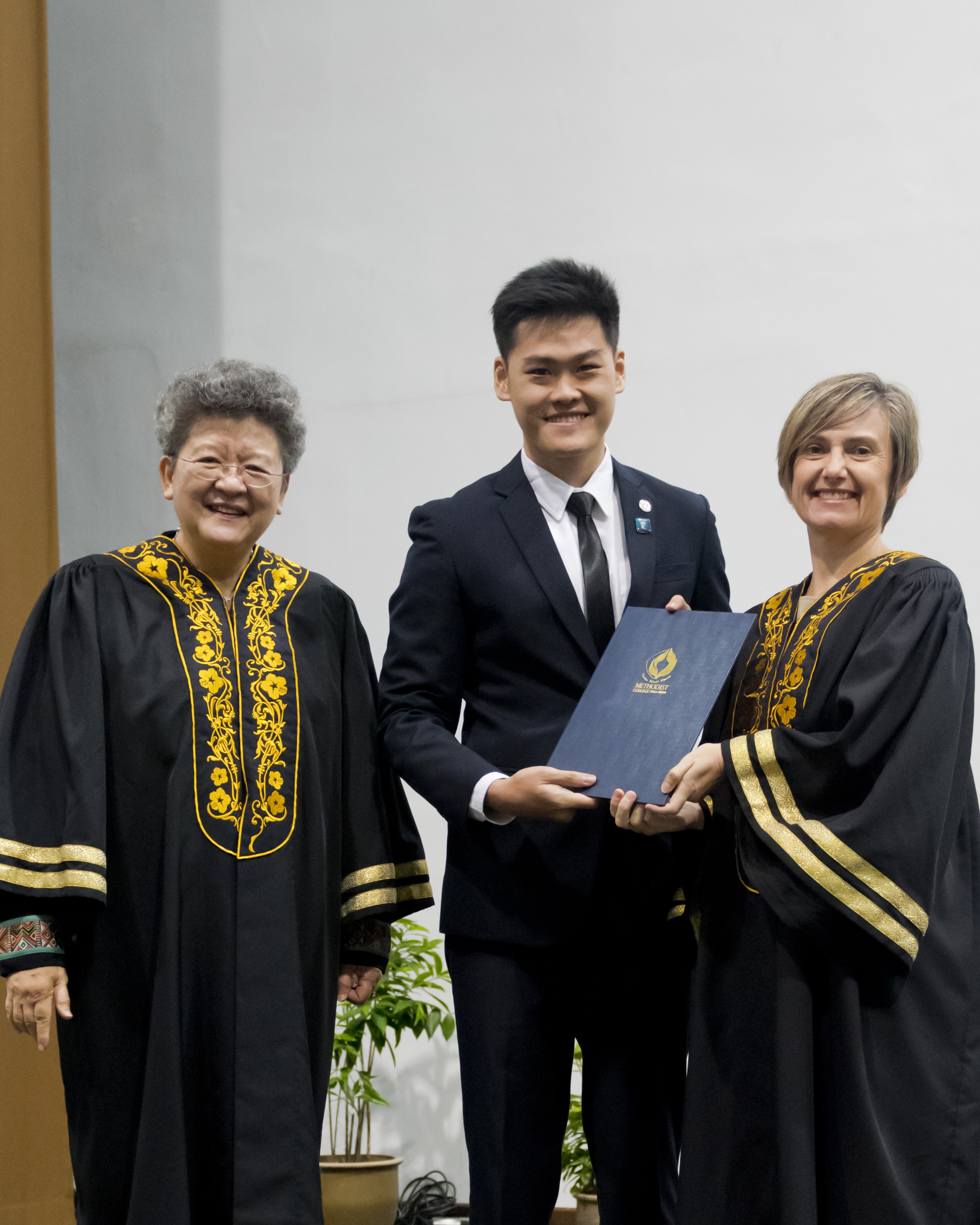 coursesmalaysia-mckl-news-MCKL-UNMC Scholarship-2018.jpg