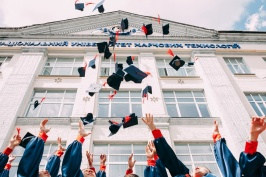 coursesmalaysia_article_yays and nays of scholarship_2019.jpg
